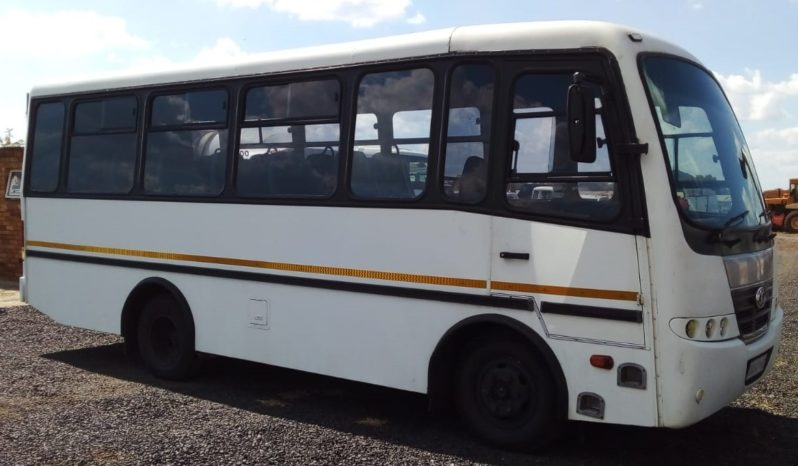 NISSAN UD 40 (2009) 26 SEATER BUS FOR SALE IN PREORIA GAUTENG full